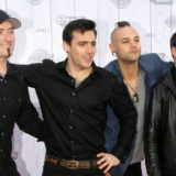April 18 2010 - JUNOS RED CARPET - HEDLEY